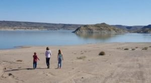 The One Hikeable Lake In New Mexico That's Simply Breathtaking In The Fall