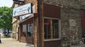 This Restaurant In Milwaukee Doesn't Look Like Much – But The Food Is Amazing