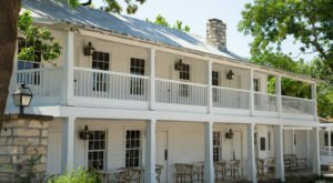 A Timeless Restaurant In Texas, The Stagecoach Inn Serves Scrumptious Southern Dishes