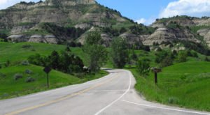 7 Roads With The Best Windshield Views In All Of North Dakota