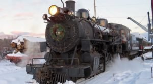 The North Pole Train Ride In Oregon That Will Take You On An Unforgettable Adventure