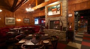 Why You'll Want To Visit This Rustic Restaurant Near Cincinnati Time And Time Again