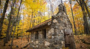 These 7 Vermont Hiking Trails Lead To Some Incredible Pieces Of History