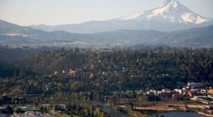 Oregon's Most Naturally Beautiful Town Will Enchant You In The Best Way Possible