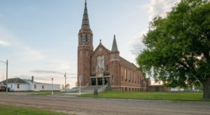The Little-Known Church Hiding In North Dakota That Is An Absolute Work Of Art
