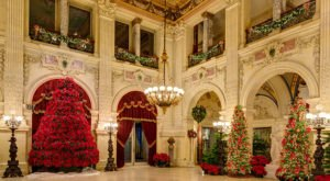 These Rhode Island Mansions Look Absolutely Magical At Christmas
