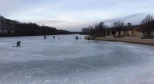 The Amazing Natural Ice Skating Rink In Illinois You'll Want To Visit