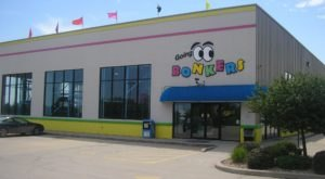 You'll Literally Go Bonkers For This Playland Pizza Restaurant In Illinois
