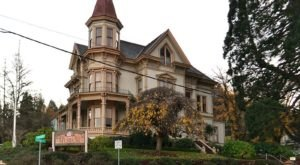 You'll Want To Visit These 13 Houses In Oregon For Their Incredible Pasts