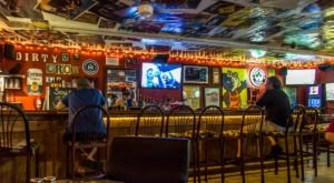 Some Of The Best Burgers In Tennessee Can Be Found In This Unsuspecting Dive Bar