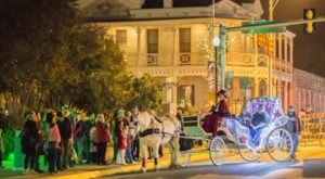 You Can't Miss This Old World Dickens Festival In Texas This Holiday Season
