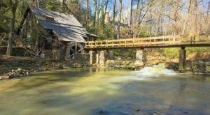 You'll Never Forget A Trip To The Most Enchanting Town In All Of Alabama