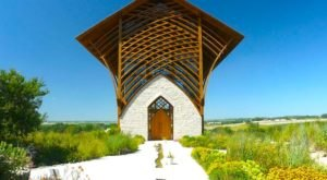 The Little-Known Church Hiding In Nebraska That Is An Absolute Work Of Art