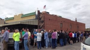 There's A Reason There's Always A Line At This One BBQ Joint In Oklahoma
