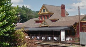 The Train-Themed Restaurant In Maryland That Will Make You Feel Like A Kid Again