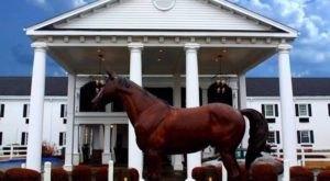 Relax In The Heart Of Horse Country At This Quintessential Kentucky Hotel