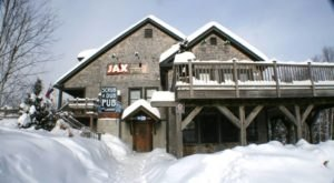 The 8 Best Apres Ski Spots In Vermont To End The Day