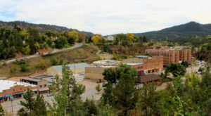 There's A Little Town Hidden In The South Dakota Mountains And It's The Perfect Place To Relax