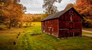 You Will Fall In Love With These 10 Beautiful Old Barns In New York