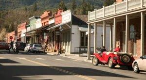 The 10 Best Little Food Towns In Oregon You Need To Explore Before They Get Too Popular