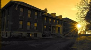The Twilight Asylum Tour In Iowa That Will Absolutely Fascinate You