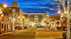 You'll Want To Visit Tennessee's Most Enchanting Christmas Town This Year