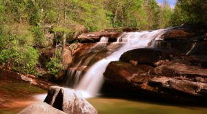 The Absurdly Beautiful Hike In North Carolina That Will Make You Feel At One With Nature