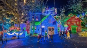 The Mesmerizing Christmas Display In Missouri With Over 6 Million Glittering Lights