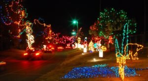 Take A Dreamy Ride Through The Largest Drive-Thru Light Show In Oklahoma, Christmas In The Park