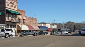 The Tiny Town In Mississippi With A Terribly Creepy Past