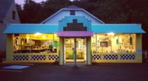 You'll Absolutely Love This 50's Themed Diner In Pittsburgh