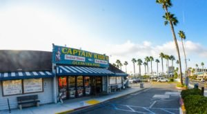 The Unassuming Southern California Restaurant That Serves The Best Seafood You've Ever Tried