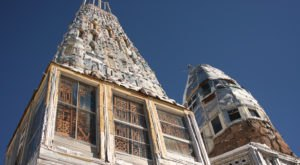 This House In Colorado Made Entirely Of Beer Cans Is Beyond Crazy