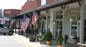 11 Historic Main Streets Surrounding Dallas – Fort Worth That Are Loaded With Charm