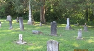 The Story Behind This Ghost Town Cemetery In Illinois Will Chill You To The Bone