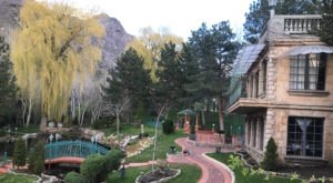 This Perfect Utah Vineyard Has Amazing Wine And Even Lets You Spend The Night