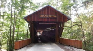 The Swann Bridge Is The Longest Covered Bridge In Alabama And It's Nothing Short Of Spectacular