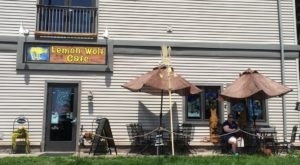 The Unassuming Minnesota Restaurant That Serves The Best Seafood You've Ever Tried