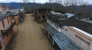 Everyone In North Carolina Should See What's Inside The Gates Of This Abandoned Theme Park