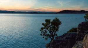 This Stunning Lake Is The Hidden U.S. Wonder You Didn't Know You Needed In Your Life
