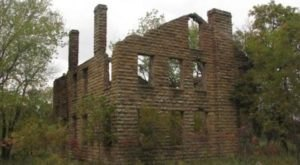 Hike To This Abandoned Mansion In Oklahoma That's Rumored To Be Haunted