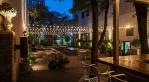 It's Impossible Not To Love This Lush Courtyard Restaurant Hiding In Tennessee