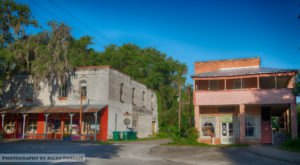 The Tiny Town In Florida That's Absolute Heaven If You Love Antiquing