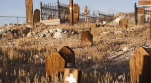 The Story Behind This Ghost Town Cemetery In Nevada Will Chill You To The Bone