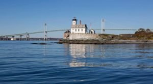 Few People Know You Can Spend The Night In This Rhode Island Lighthouse