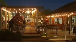 The One Of A Kind Restaurant In Arizona That's Fun For The Whole Family