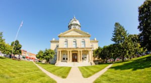 Here Are 11 Of Iowa's Tiniest Towns That Are Always Worth A Visit