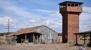 The Story Behind This Abandoned Old West Attraction In Arizona Is Downright Intriguing