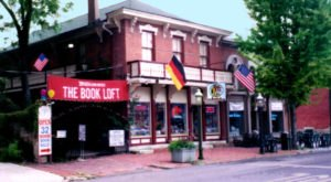 There's A 32-Room Bookstore In Ohio Called The Book Loft And It's A Bookworm's Happy Place