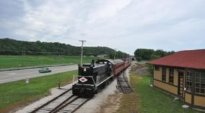 The Springtime Train Ride Near Cincinnati That Is Truly Delightful